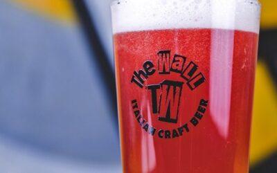"""Per il lancio del nuovo brewpub, """"The Wall"""" ha creato una birra all'ibisco"""