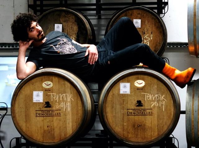 """Davide, il """"varesino di Norvegia"""" che trasforma la birra nelle botti di legno"""